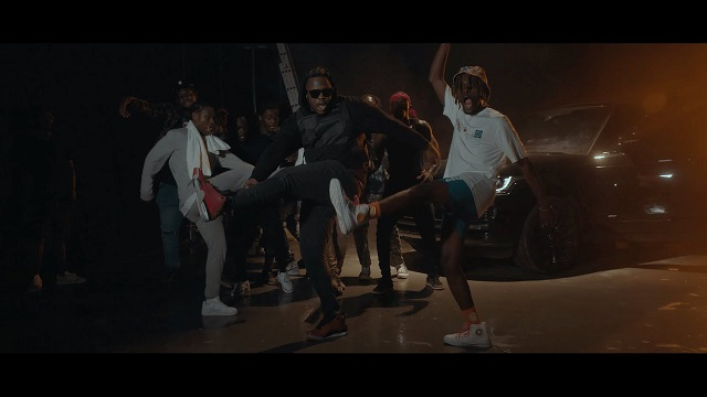 Kofi Mole Pulele Video
